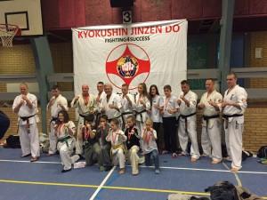 Kancho Flemming mit den glücklichen Gewinnern